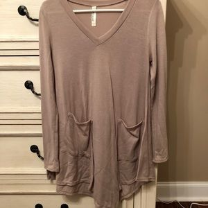 Long sleeve shirt with pockets